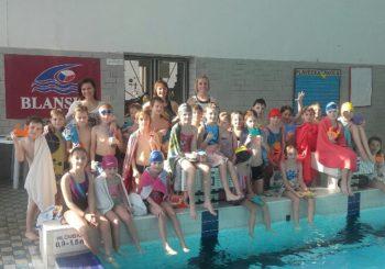 Jak žáci 2. a 3. ročníku plavali