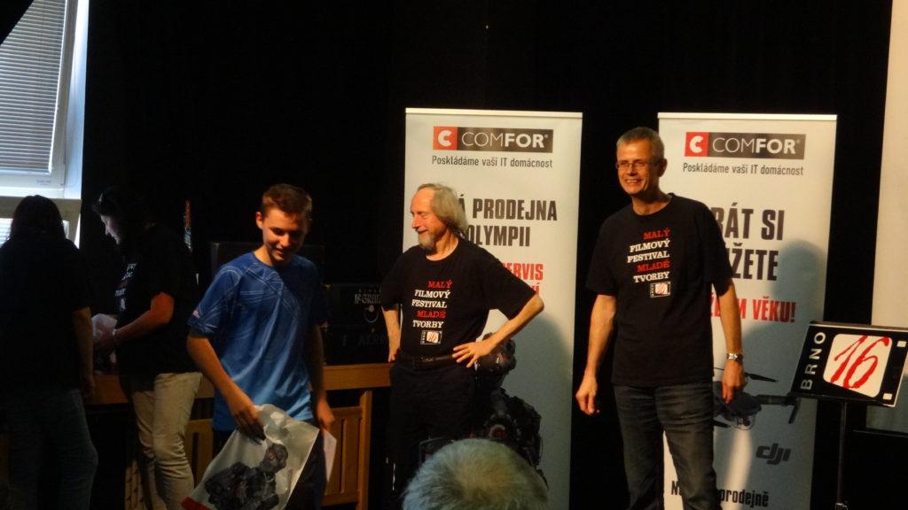 Michal Kubík po převzetí Zvláštní ceny poroty za film Zámecké tajemství.